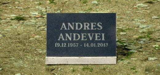 Надгробная плита с гравировкой начиная от 75€